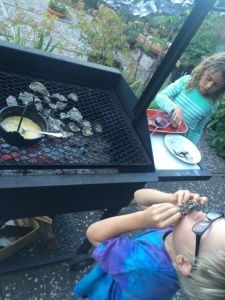 kids eating oysters